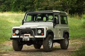 land rover defender 2017 land rover offers off road driving lessons in the defender