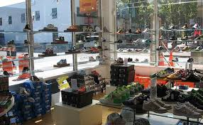 how to buy shoes in bulk bizfluent