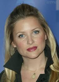 does kate capshaw have naturally curly hair jessica capshaw s hair brought back and fastened on the top of the