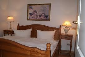 Schlafzimmer Betten H Fner Apartment Neuensien 11a Deutschland Seedorf Booking Com