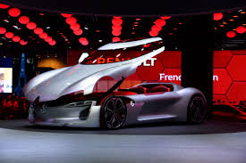 renault trezor paris motor show sees unexpected romance from renault cnn style