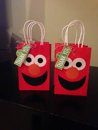 elmo party favor bags for an elmo party i wonder if there would