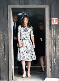 Where Do Prince William And Kate Live Kate Middleton And Prince William Visit Gdansk During Tour Daily