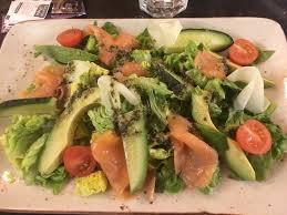 avocat cuisine salade avocat saumon fumé concombre tomate picture of la