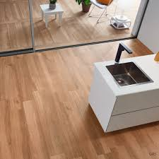 Laminate Floor Tile Effect Series Wood Effect Light Brown Porcelain Floor Tiles 1200x200mm