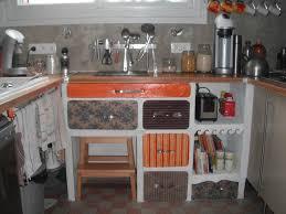 cuisine en bocaux recycl la cuisine luminaires en bocaux et tiroirs en cartons