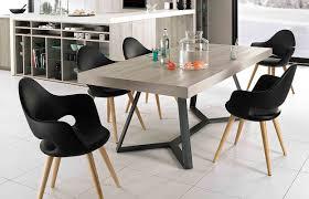 chaises table manger styliser votre intérieur avec les tables et chaises en bois mobalpa