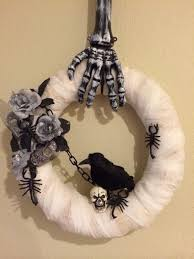 cheap halloween stuff cheap and awesome halloween decor to buy at dollar tree 65 best