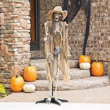 How To Make A Halloween Skeleton Halloween Yard Ideas Decorations Inflatables And Spookies Skeleton