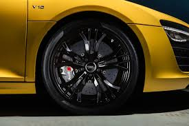 Audi R8 Yellow - vegas yellow audi r8 v10 plus with carbon inserts autoevolution