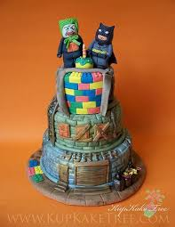 49 best batman cakes images on pinterest batman cakes batman