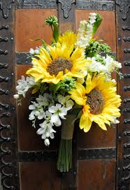 bouquet of sunflowers wedding bouquet white and yellow and green bouquet