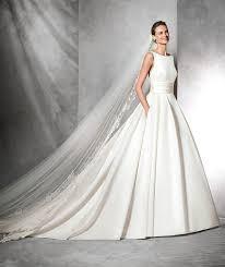 tissus robe de mariã e les 25 meilleures idées de la catégorie robes de mariée en satin