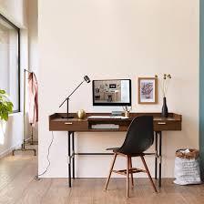 bureau bois foncé coin bureau dans un couloir deco masculine bureau homme stye
