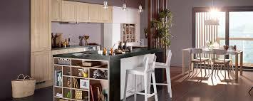 cuisine photo moderne cuisine moderne noir et bois ouverte ambiance rétro mobalpa