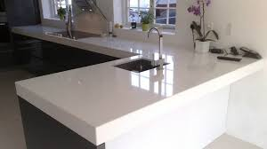 plan pour cuisine cuisine plan de travail de cuisine moderne clair en quartz