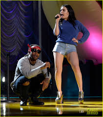 charli xcx u0026 jessie j bring music to mtv movie awards 2015 photo