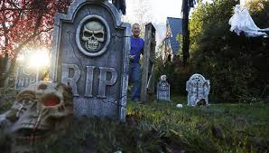 How To Make A Haunted Maze In Your Backyard Creating A Frightful Front Yard For Halloween In Seattle The