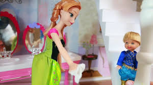 disney frozen toby princess anna cleaning barbie glam bathroom