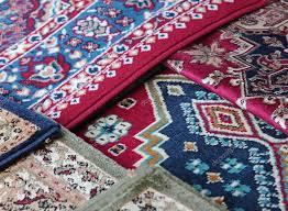 vendita tappeti orientali tappeti orientali in vendita nel negozio di tappeti foto stock