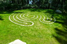 how to design a garden labyrinth the garden inspirations