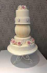 wedding cakes purple and silver elegant wedding cakes how to