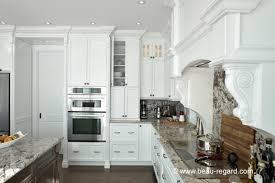 deco cuisine classique armoires de cuisine classique bois massif idée de décoration