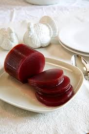 what is the difference between canned and cranberry sauce