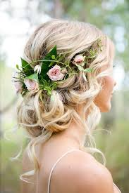 wedding flowers in hair best 25 flower hair ideas on wedding hair and makeup