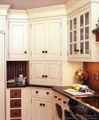 kitchen paint colors with dark cabinets 5262