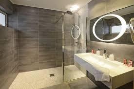 dans la chambre d hotel salle de bain chambre d hotel tinapafreezone com