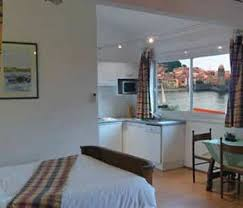 hotel avec dans la chambre pyrenees orientales le bon port pyrénées orientales expedia fr