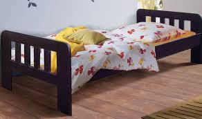 chambre enfant bois massif lit enfant violet en bois massif lit enfant de qualité avec sommier