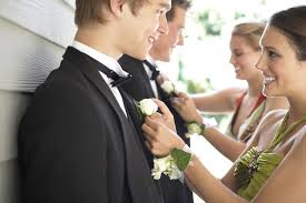 Where Can I Buy A Corsage And Boutonniere For Prom Can I Go To Homecoming Alone
