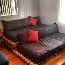 How To Make Pallet Furniture Cushions by Diy Theatre Seating With Pallets Home Pinterest Theater