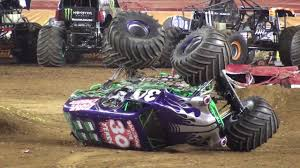 monster truck grave digger video monster jam philly grave digger backflip crash 2012 youtube