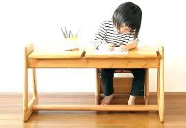 bureau pour bébé chaise en bois enfant bureau pour bebe chaise en