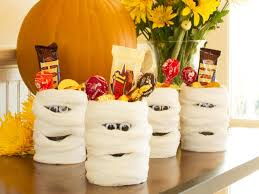 hallwoeen halloween party favor mummy candy cans hgtv