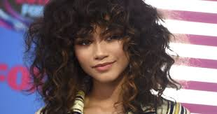 Hit The Floor Meaning - zendaya drops her u0027versace on the floor u0027 for bruno mars in music video