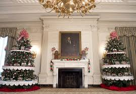 christmas decorated home see how michelle obama decorated the white house for the final