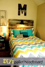 Light Yellow Bedroom Ideas Yellow Walls Bedroom Decor What Color Carpet Goes With Turquoise