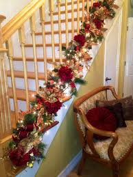 Handrail Christmas Decorations 25 Ideas For Christmas Staircase Decorations