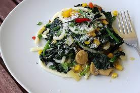 cuisiner epinard cuisiner epinard frais nouilles udon sautées aux épinards frais