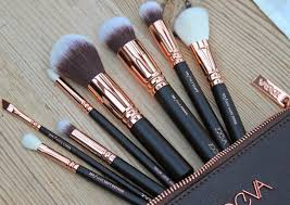 beauty u0026 le chic good as gold zoeva rose gold makeup brush set