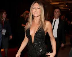 jennifer aniston and angelina jolie in a brawl over another man