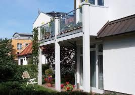 unterschied terrasse balkon garten moy terrasse mit balkon in feuerverzinkter ausfuehrung und