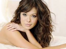 natural wavy hair styles best medium length haircuts for wavy hair