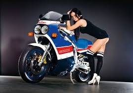 1985 to 1987 the first modern race replica suzuki gsx r750