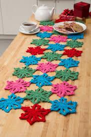 hawaiian christmas table runner crochet crochet christmas and craft