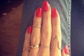 knuckle rings images A yes or no question first knuckle rings fashion news livingly jpg